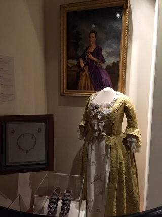 Martha's garb