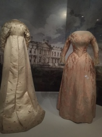 Dolly Madison, Gowns