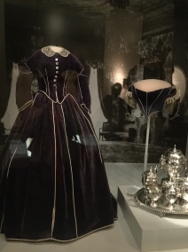 Mary Lincoln, Purple Velvet Ensemble (1861-62) and Coffee Tea Service